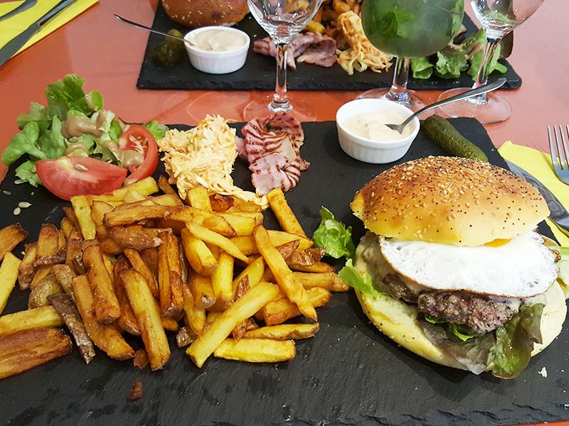 FONZY-DAY burgers